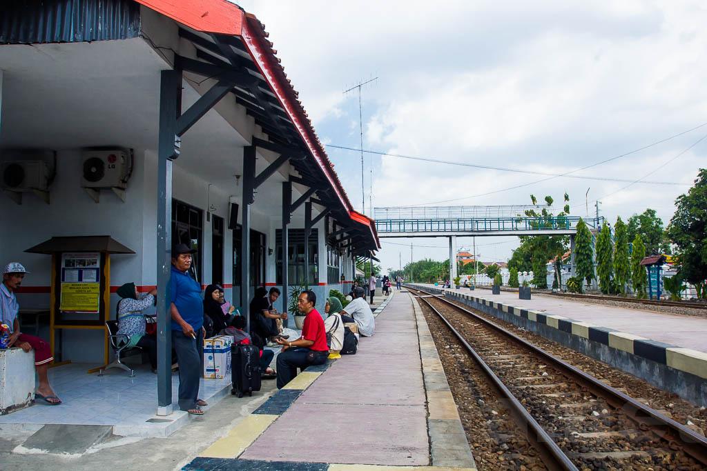 Stasiun Brebes 2
