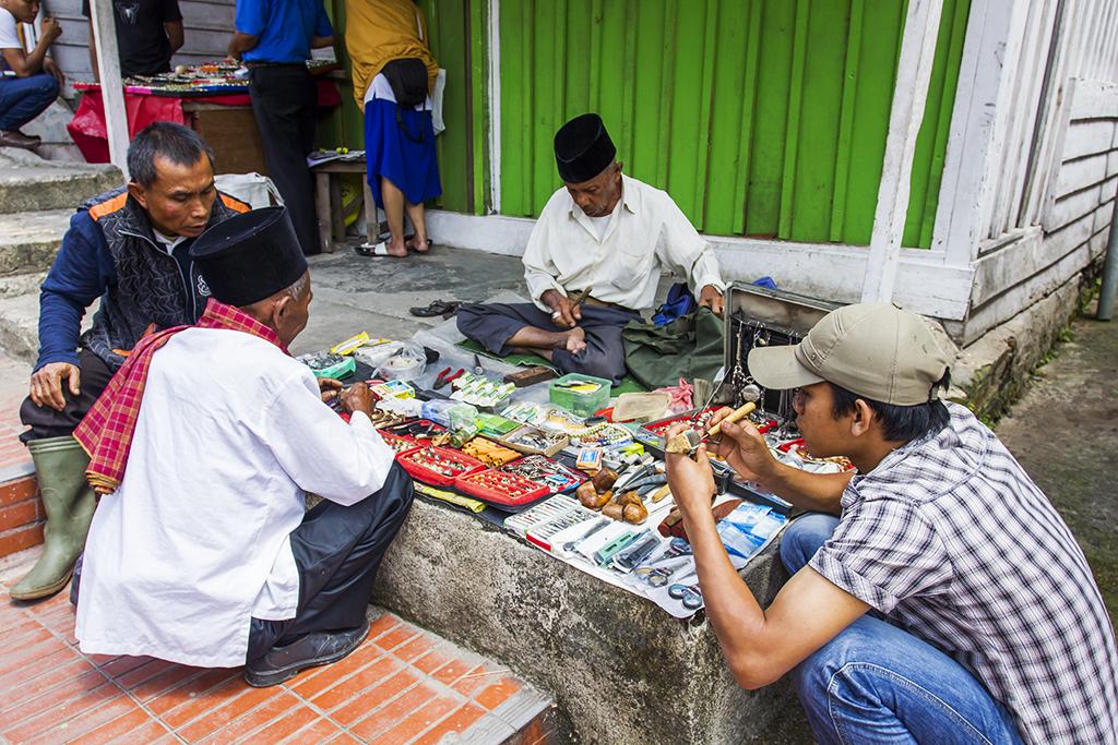 IMG_2521 penjual batu akik di janjang 40